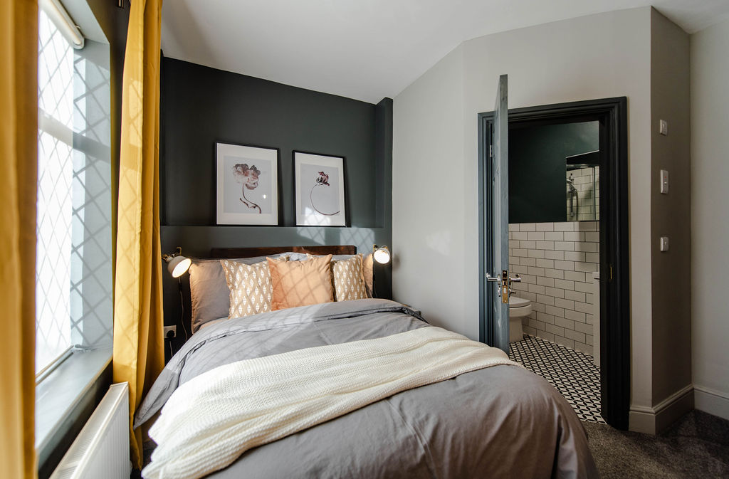 Professional HMO Double En Suite Bedroom