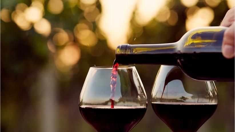 20150909205144-red-wine-classy-evening-dinner.jpeg