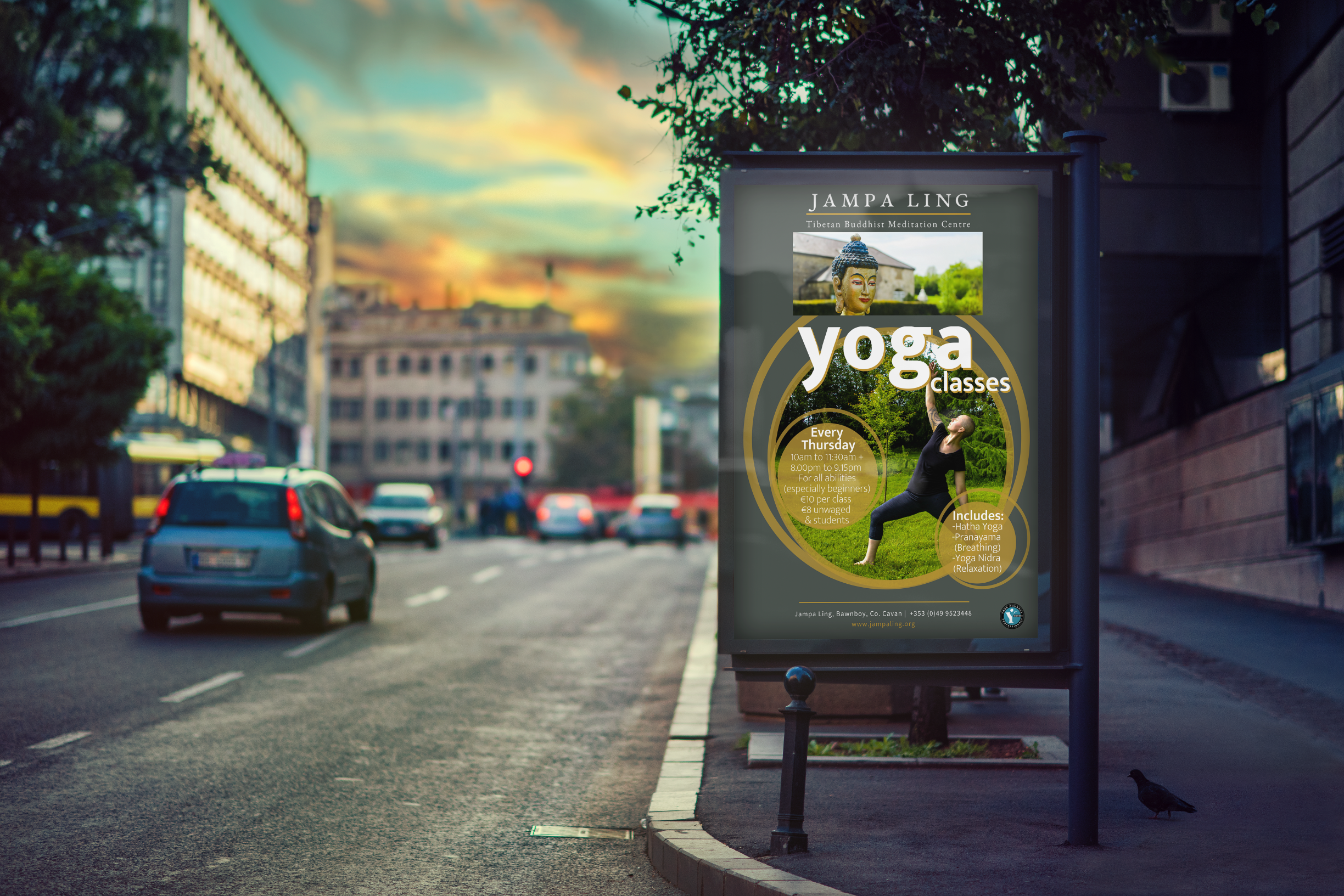 03_Outdoor_Advertising_Mockup.png