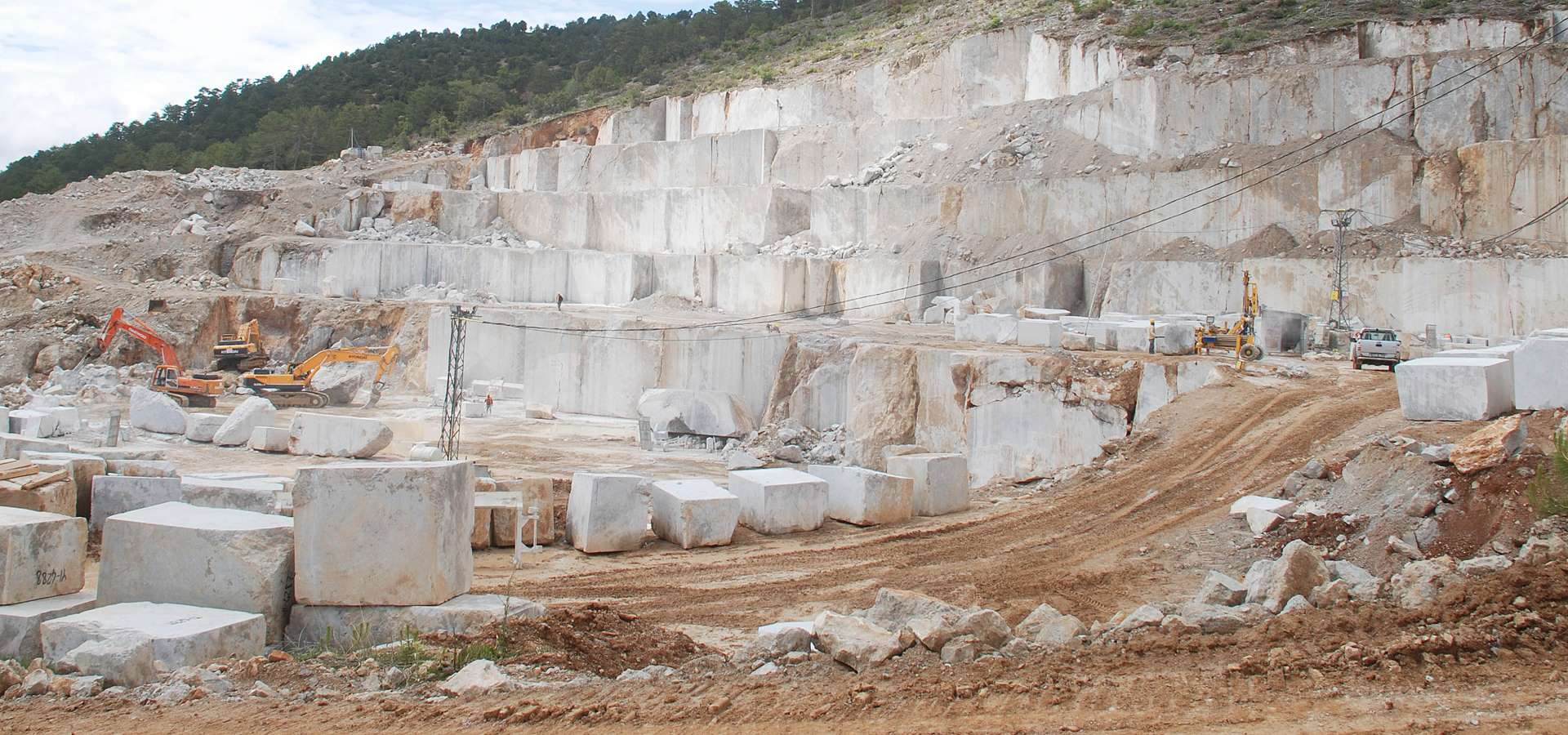 quarrytblue.jpg