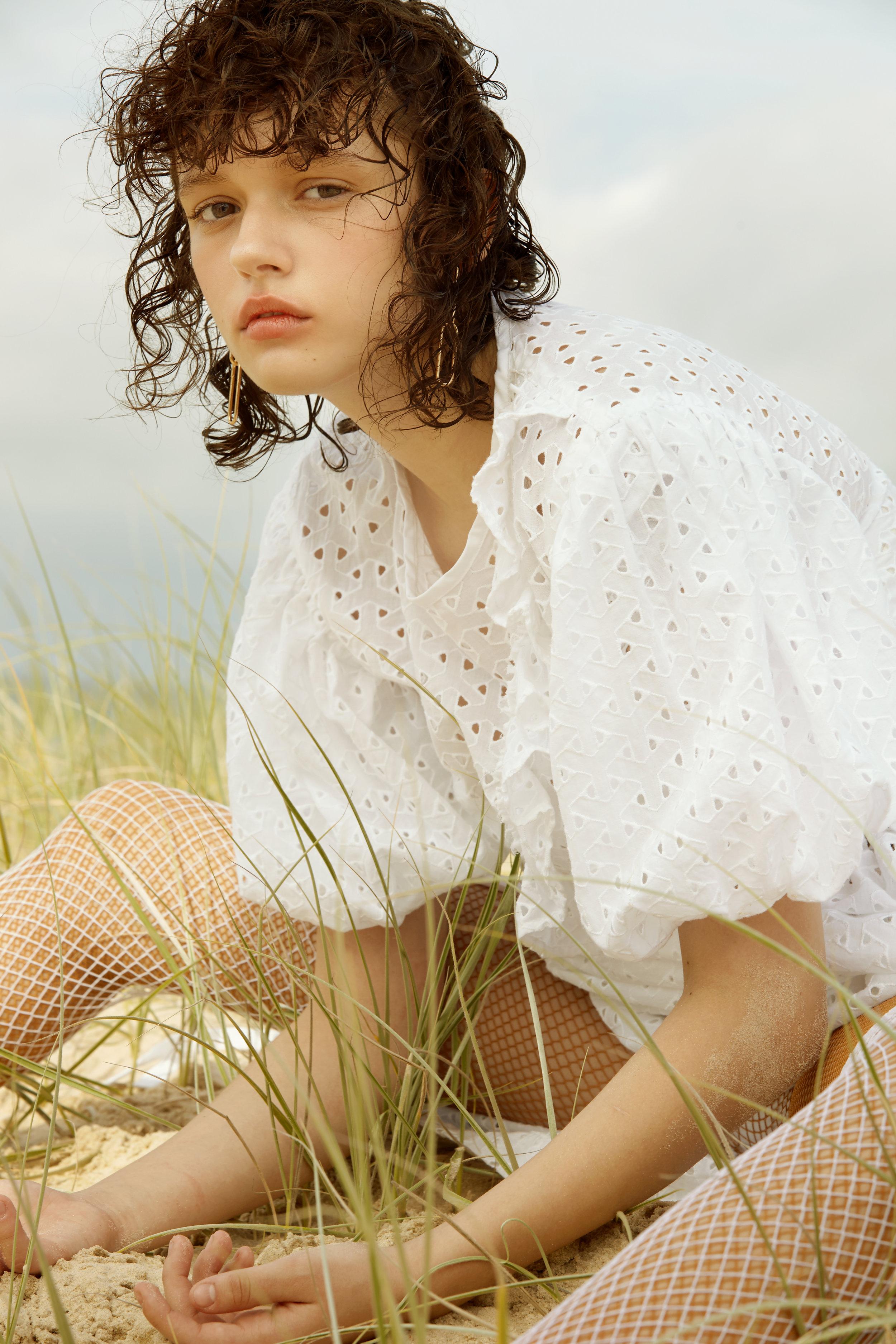 Dress  Kalaurie   Stockings  Stylist's Own