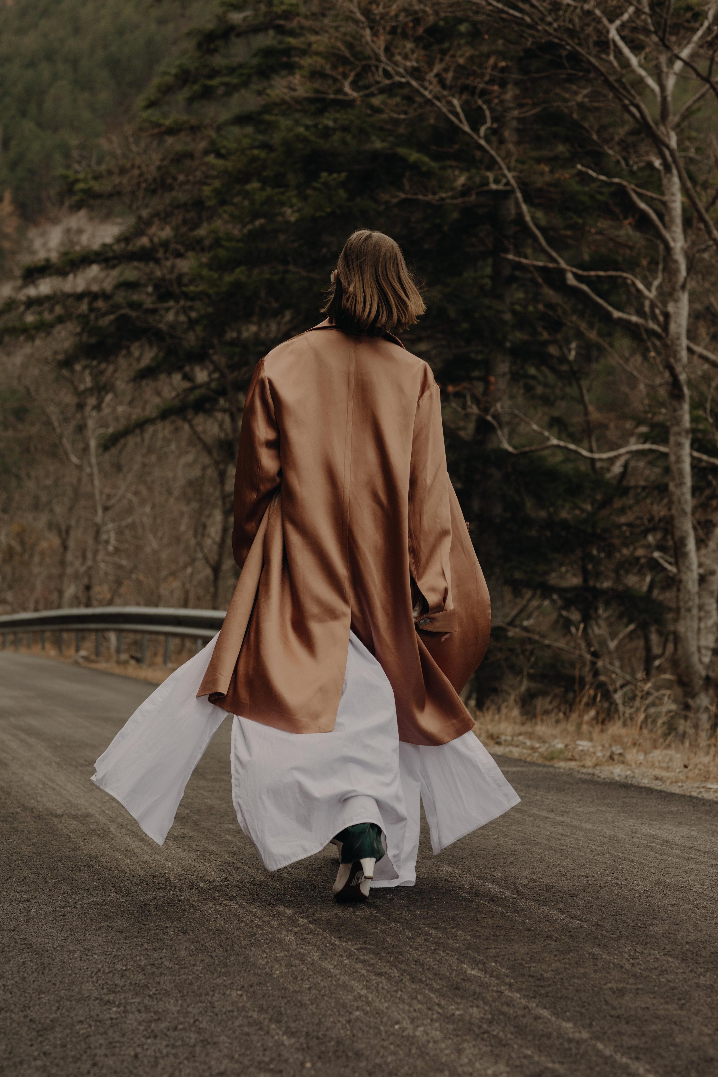 Coat  SEAN SUEN  Under Shirt and Trousers  PIERRE  Long Shirt  NEHERA  Shoes  DAVID BEAUCIEL