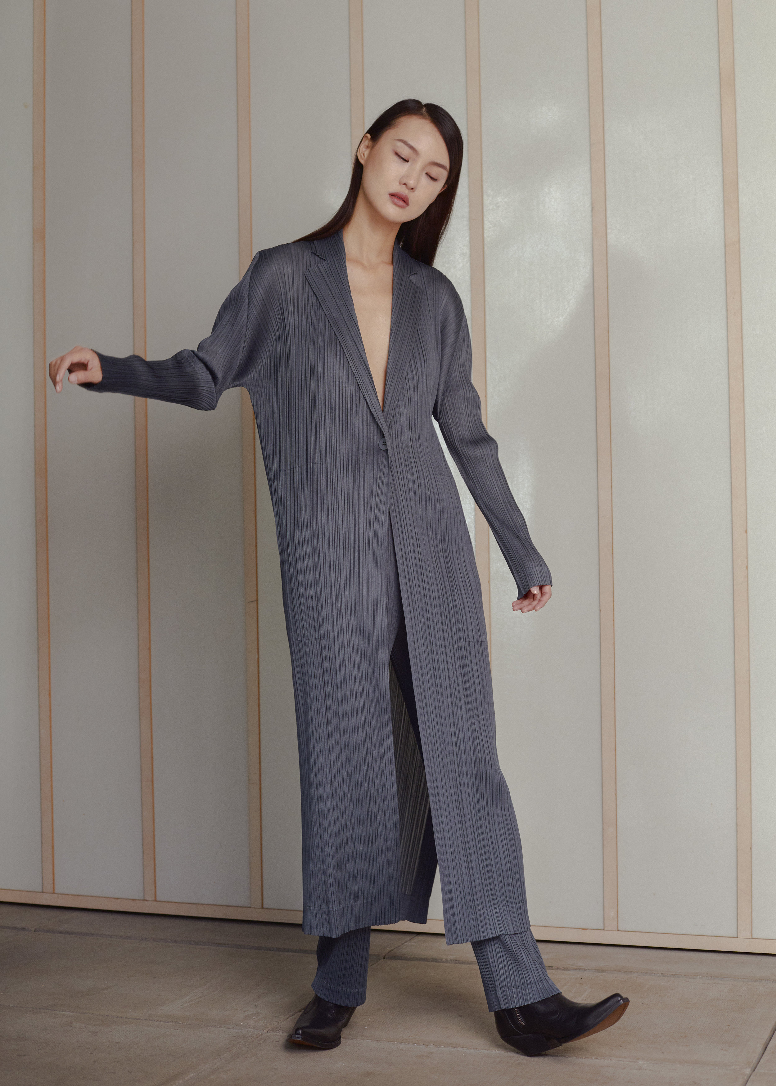 Full Look  PLEATS PLEASE ISSEY MIYAKE  with  EMPORIO ARMANI  shoes