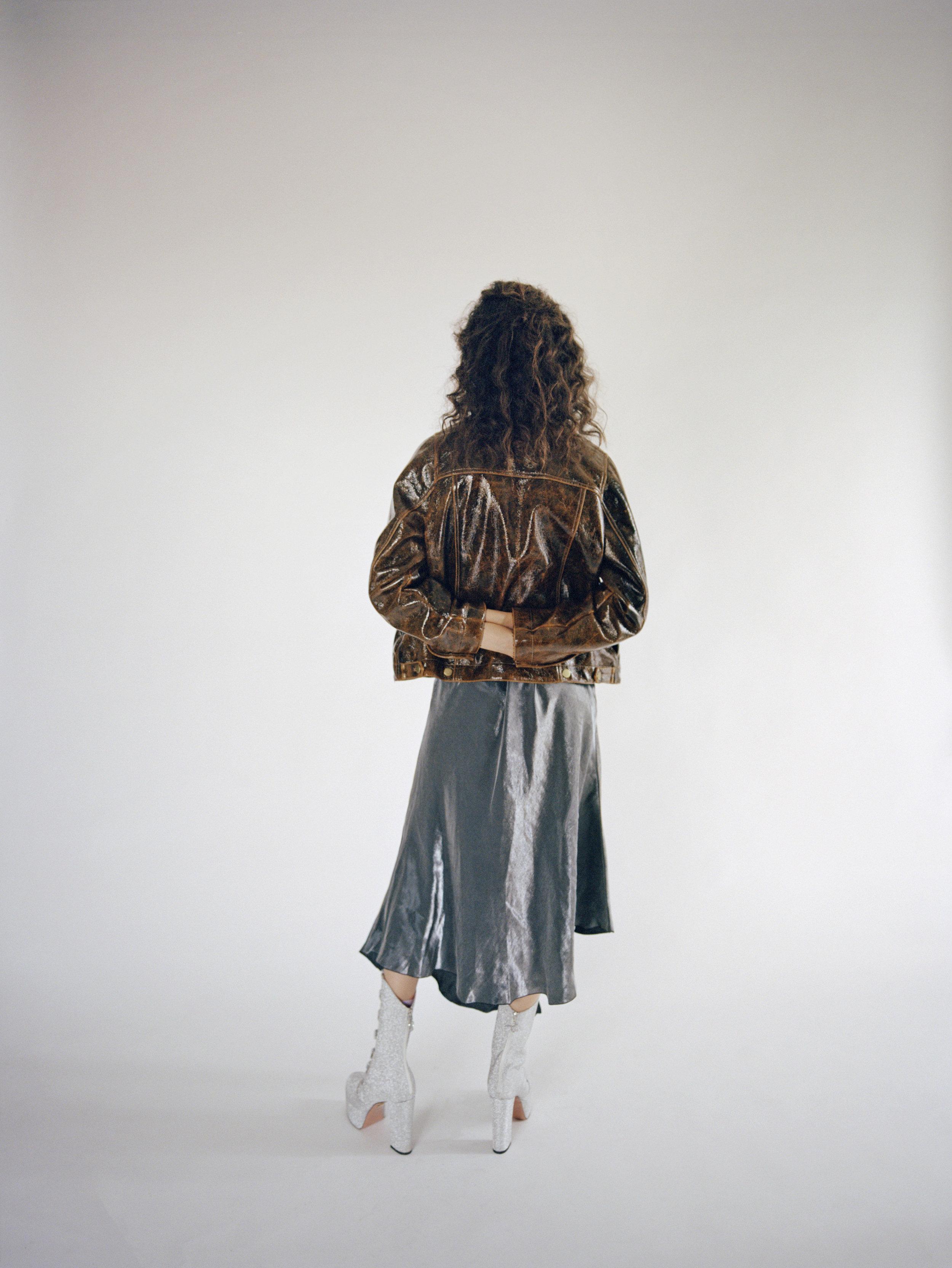 Shirt  FRED PERRY  Dress  BIMBA Y LOLA  Jacket  MOMONÌ  Shoes  JF LONDON