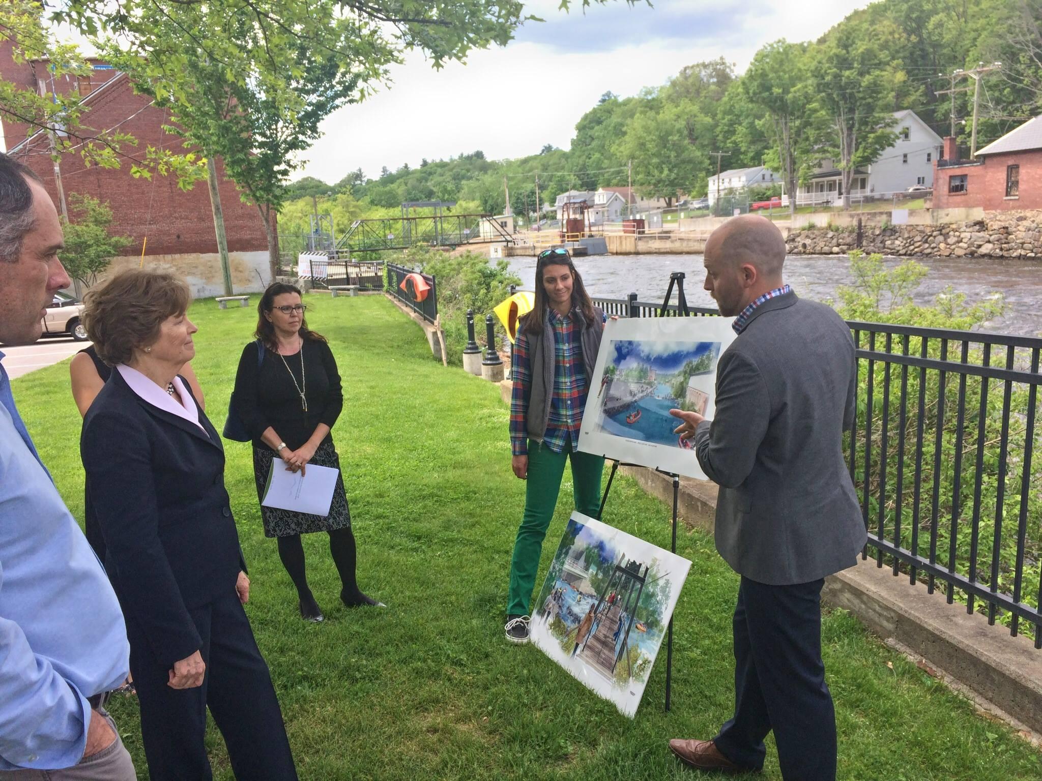 Senator Jeanne Shaheen visits Franklin!