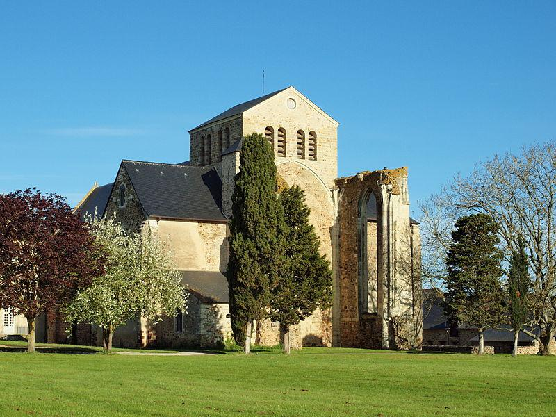179146_1_ancienne-abbaye-de-la-roe_abbaye-de-la-roe.jpg