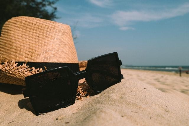 accessory-beach-blur-348521.jpg