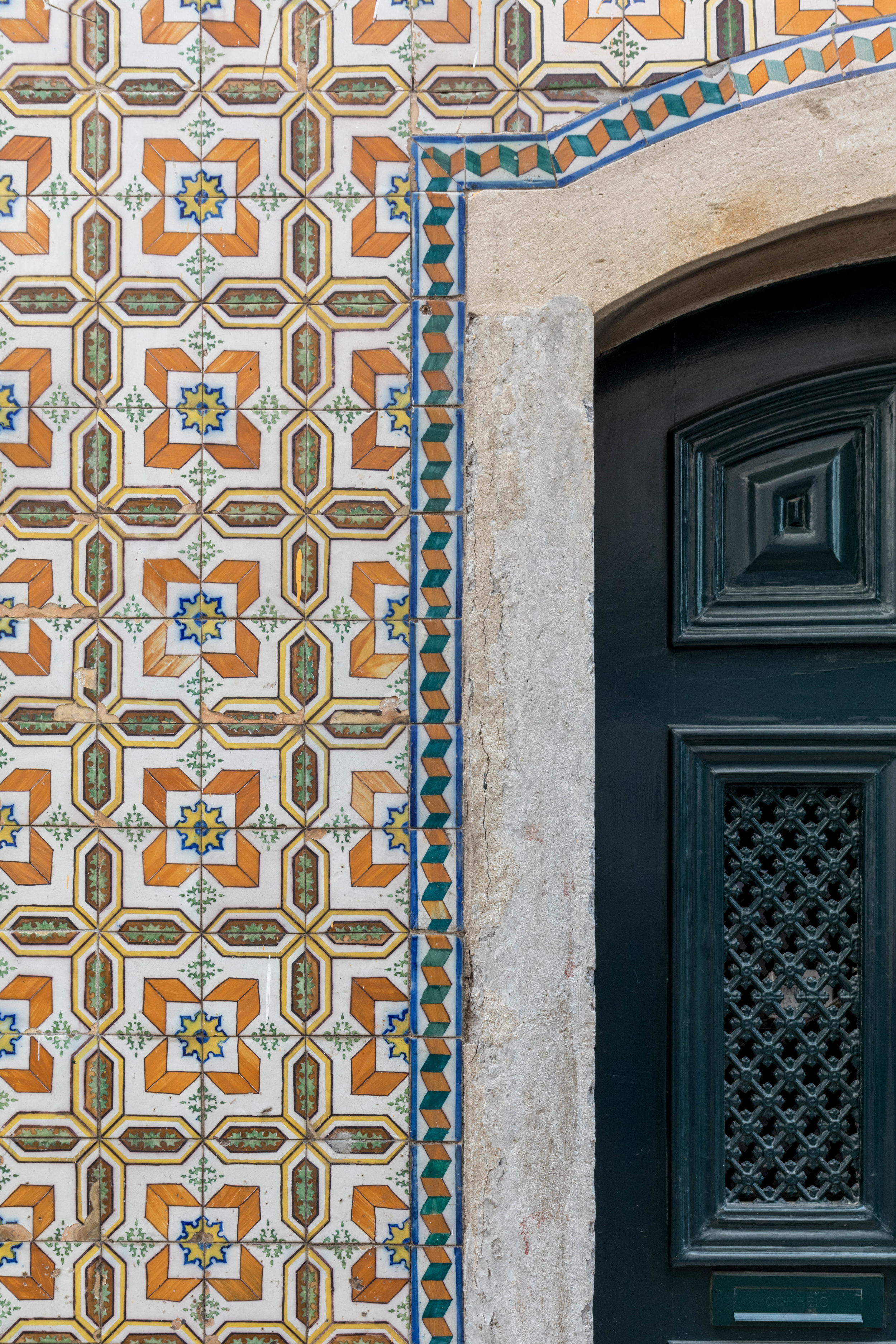Fragments of Lisbon - Shannon Hammond Photography-13.jpg