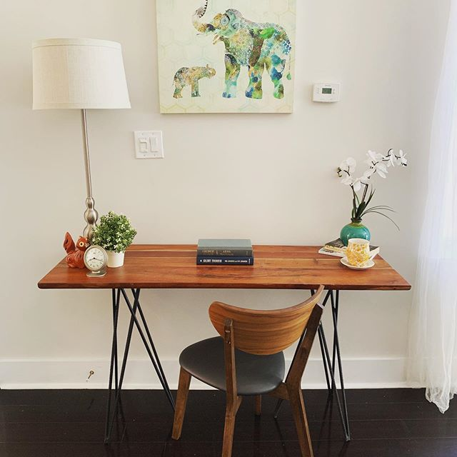 Loving this little home office nook in Graduate Hospital. . . . . .  #realtor #realestate #susiesellsphilly #sellingphilly #bhhsrealestate #sellingphiladelphia #philly #phillyrealestate #philadelphia #philly #susiesells #sellwithsusie #buywithsusie #athomewithsusie #buyers #sellers #investors #firsttimebuyer #investmentproperties #phillyhomesforsale #realestateexpert #theericfoxteam #efoxhomes