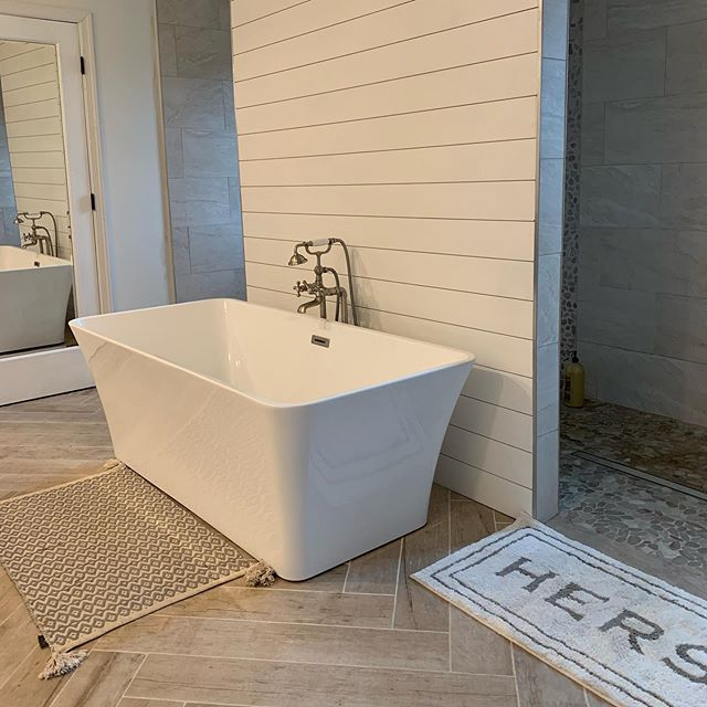This master bath is a stunner in Norwood! 🛁