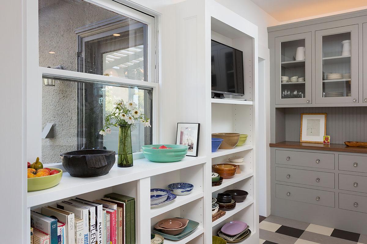 14 Kit shelves.jpg