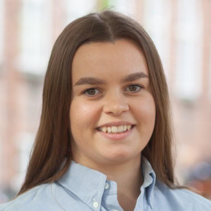 Julie Øvstedal2.jpg