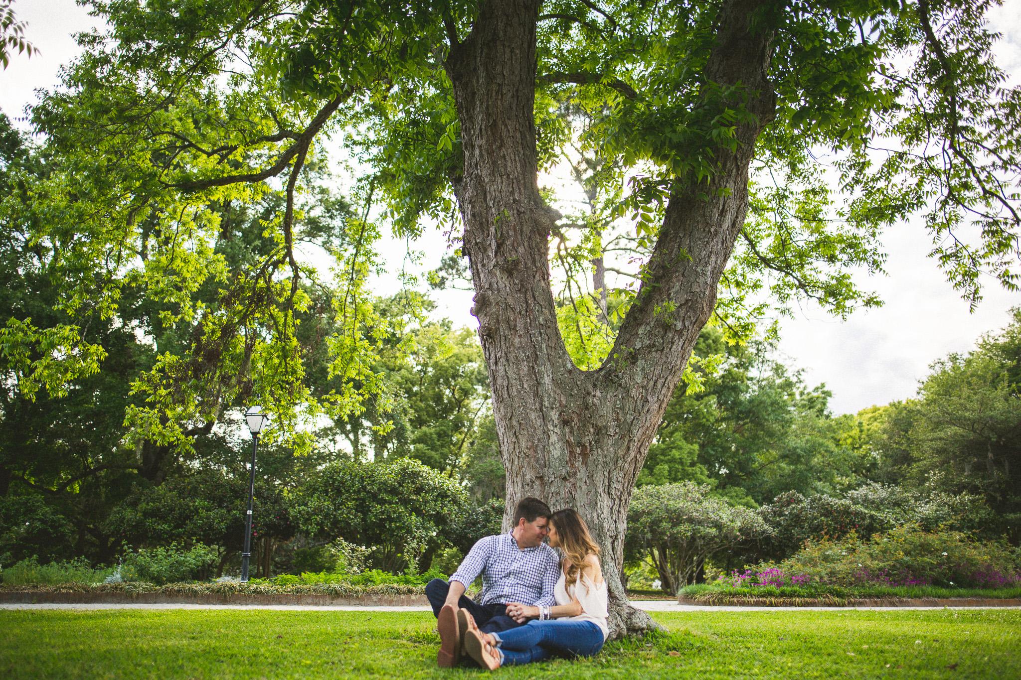 02-outdoor-charleston-engagement