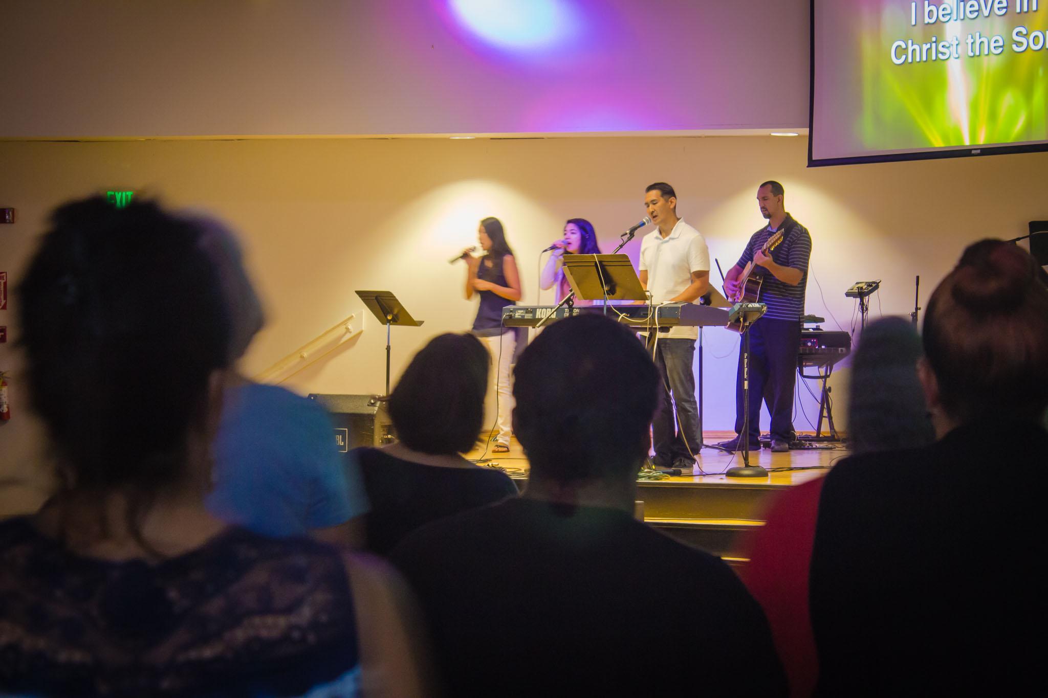 Grace Bible Church Ohana Sundays Maui Hawaii - praise and worship