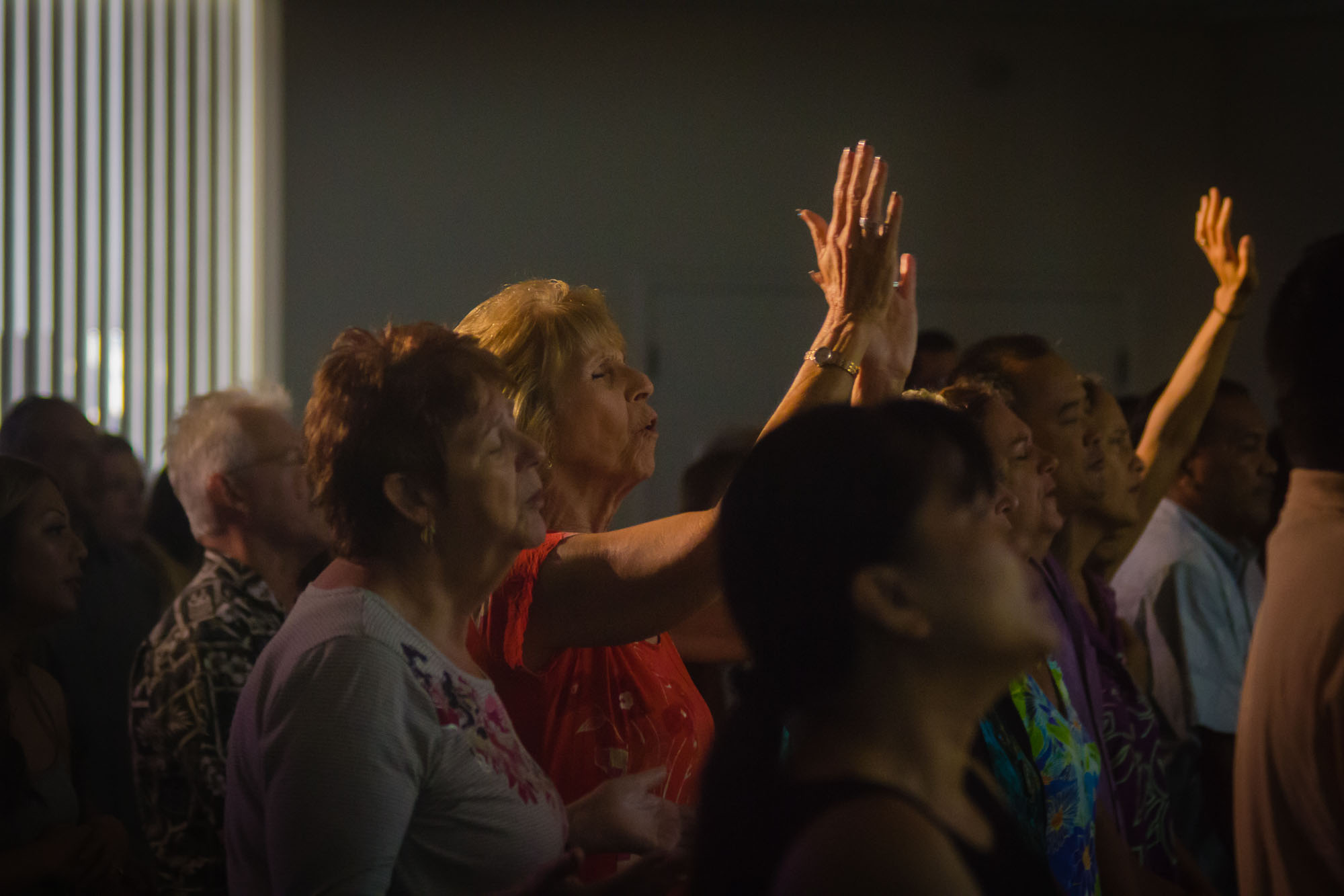 Ohana Sunday Grace Bible Church Maui Hawaii - praise and worship