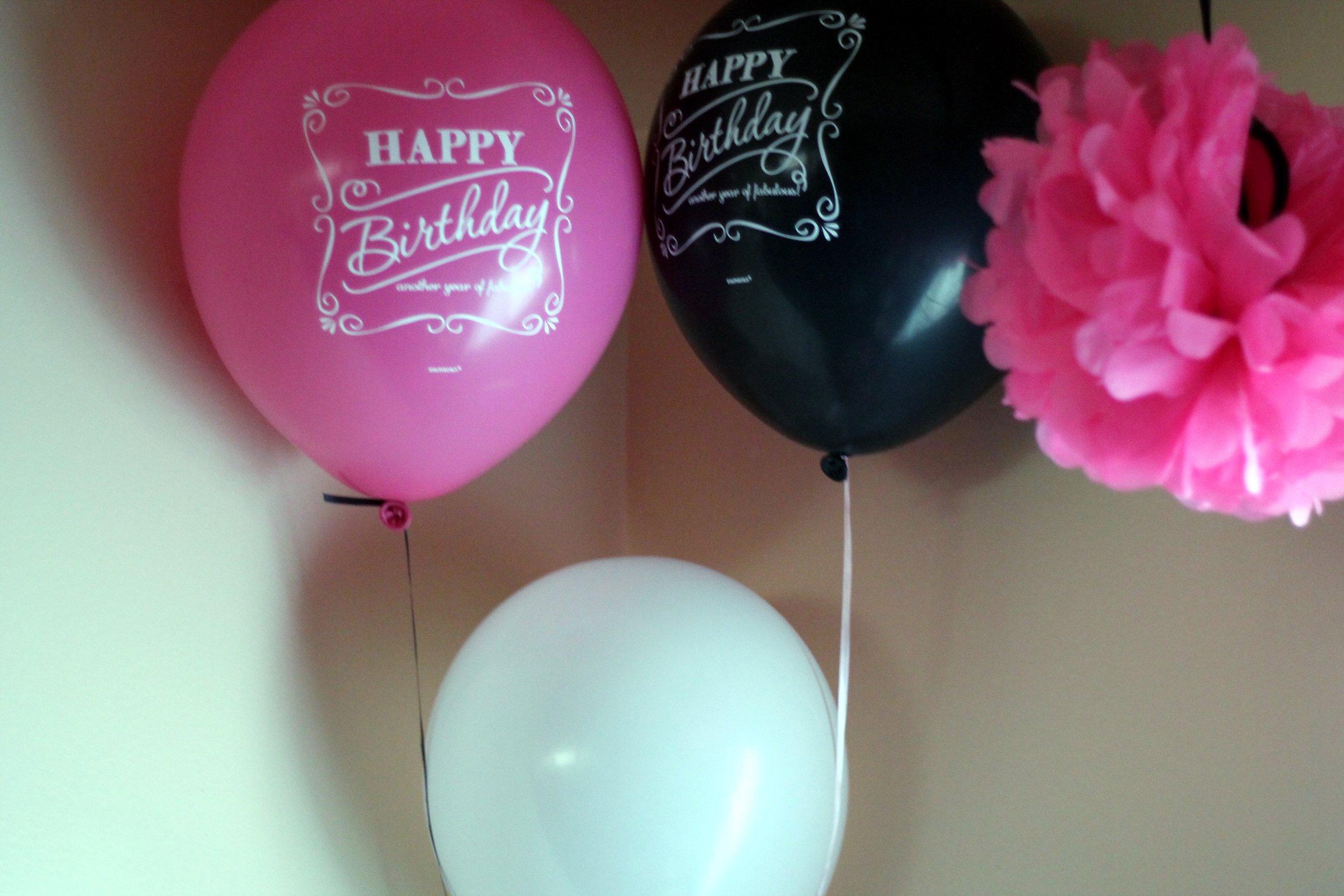 Balloons purchased at Party City. Find them  here !