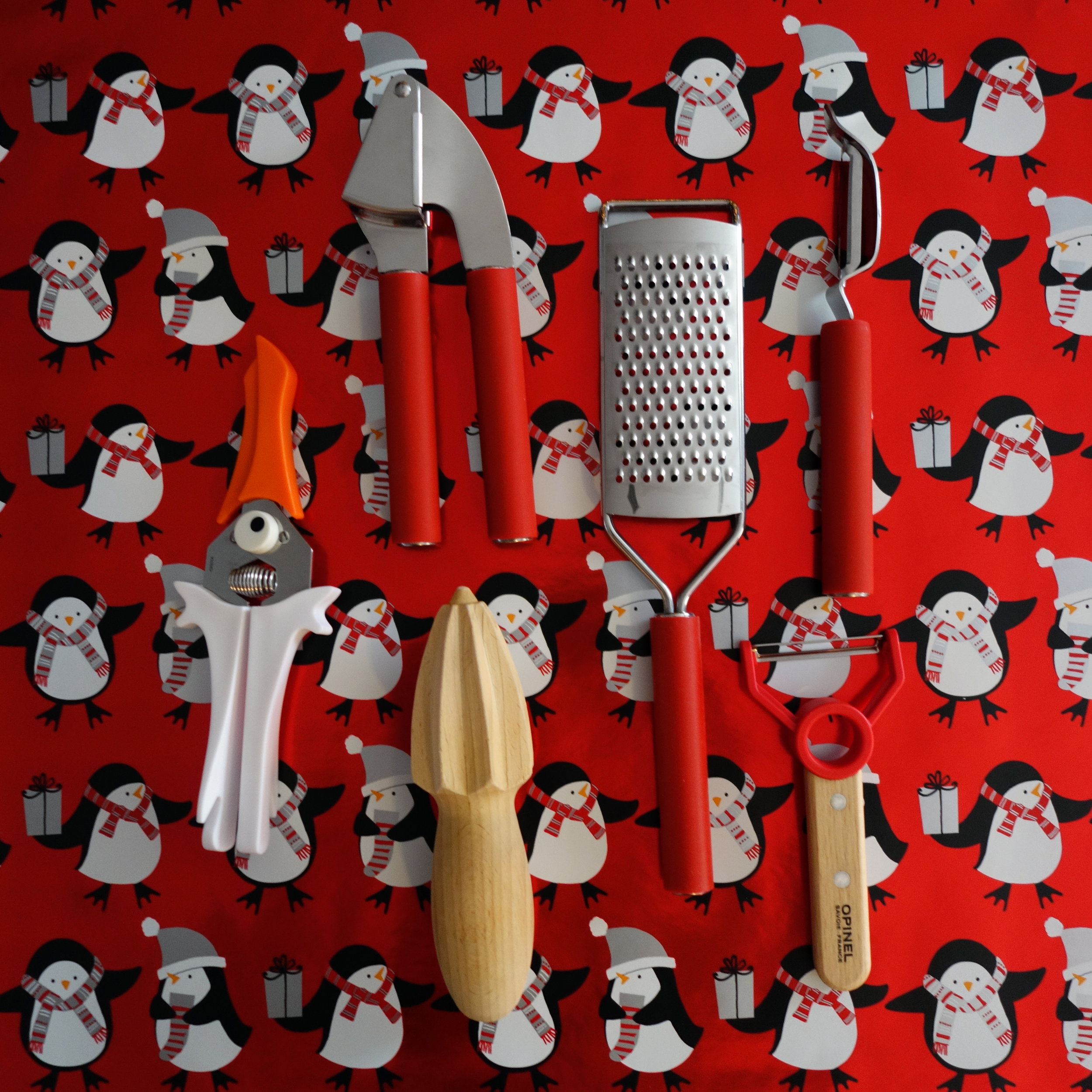 Gift guide for kids who like to cook - Kitchen Gadgets and Tools for Kid Chefs
