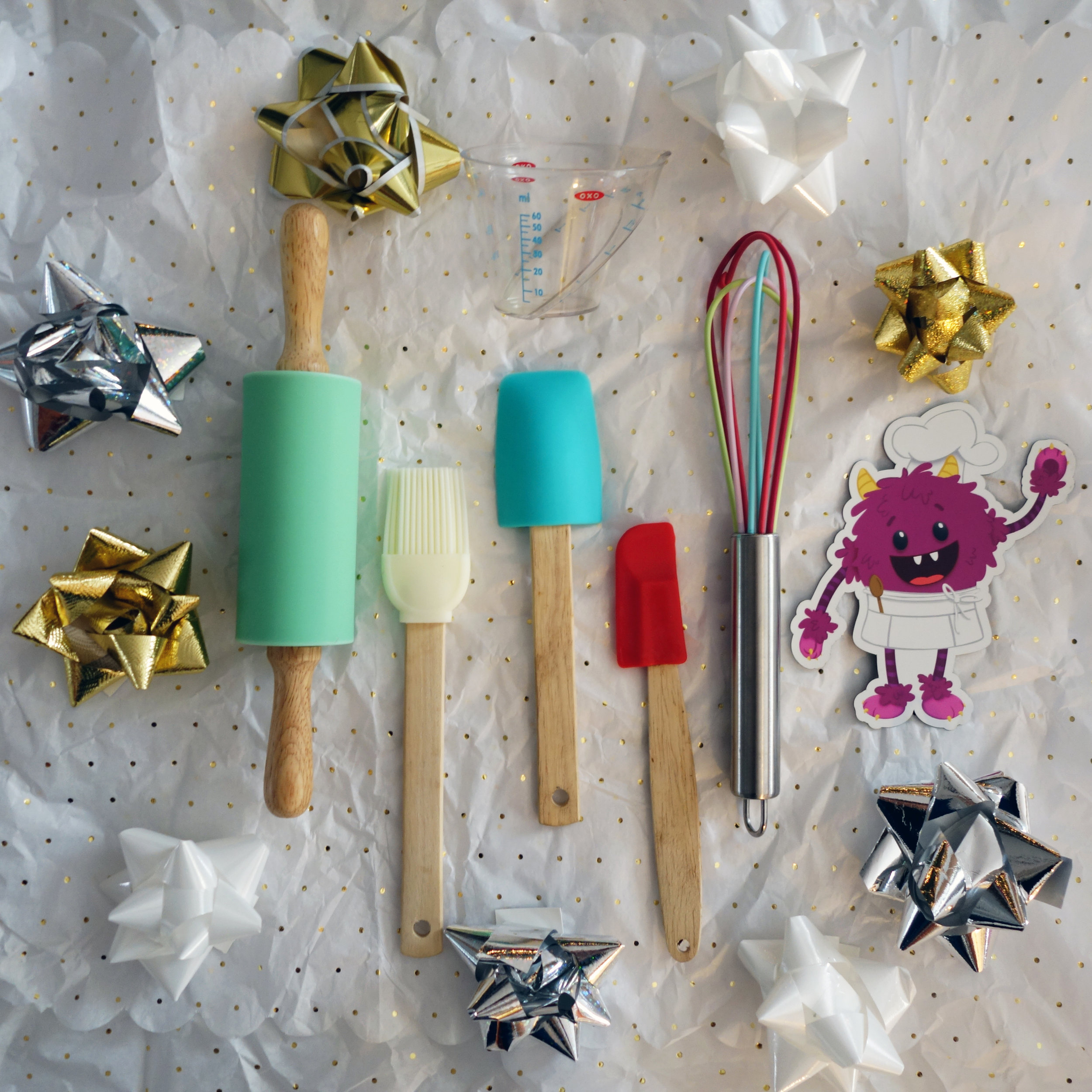 Gift guide for kids who like to cook - Tiny Kitchen Tools for Kid Chefs