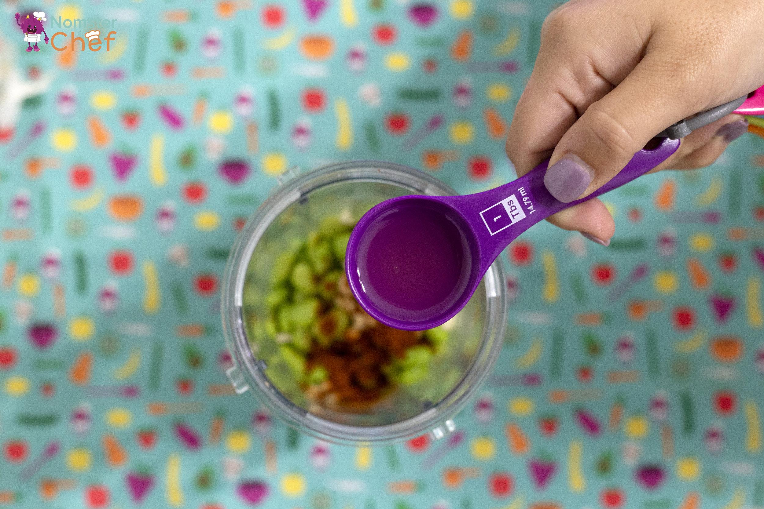 Kitchen_Vocabulary_Garlic-Cloves_Edamame Dip_59 copy.jpg