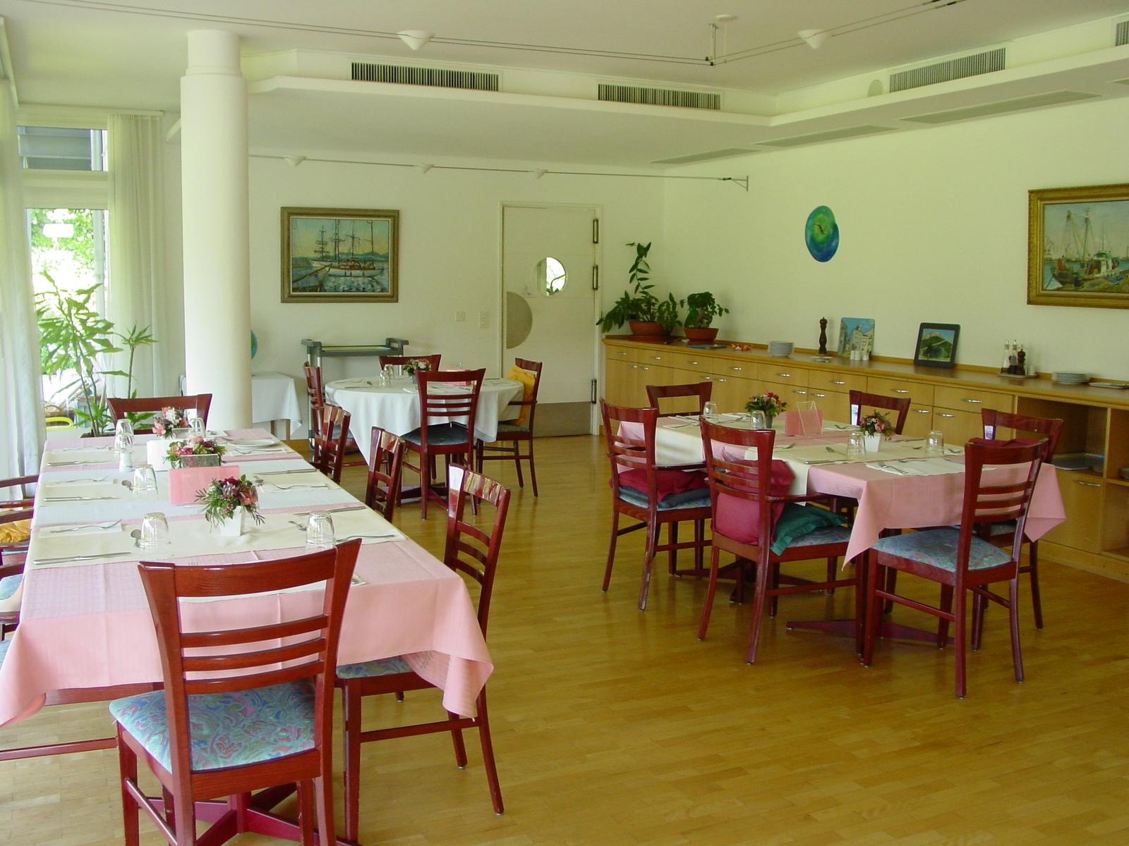 Le-Verger-Dinning-room.jpg