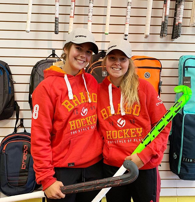 We would like to welcome these two superstars🌟@saragooodman & @thorarae . These talented athletes are ready to hit the field in their @brabohockey hockey gear!  Side note: @saragooodman @thorarae are Canada's first female @brabohockey sponsors! #girlpower 💪🏼