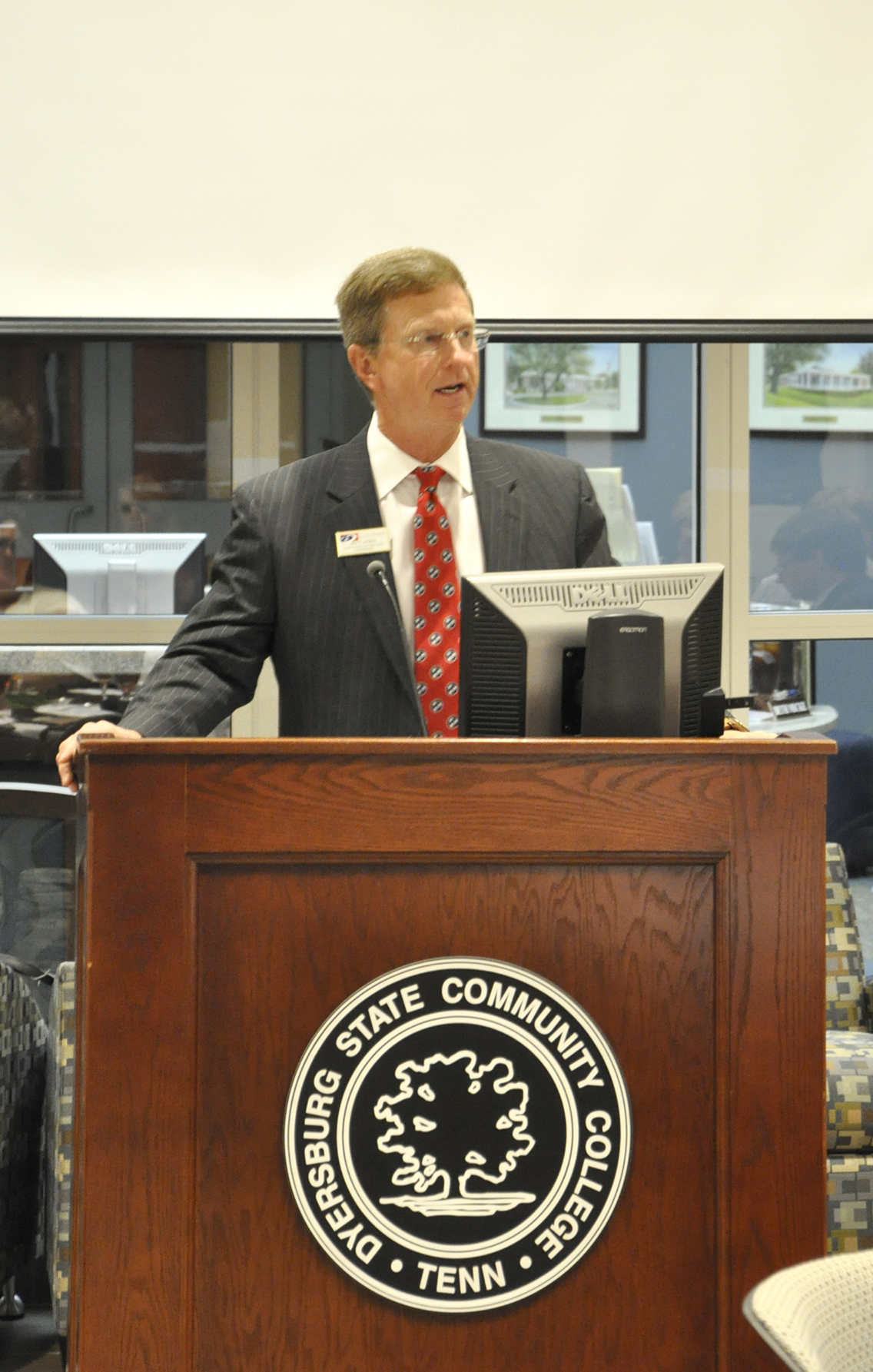 Jeff Agee, vice chair of the DSCC Foundation board of directors, addressed over 50 guests during DSCC's annual Foundation board meeting and dinner Nov. 15.
