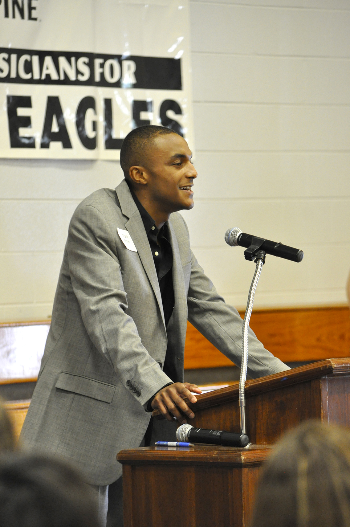 DSCC student Malik Smith of Newbern took a few moments to personally thank his scholarship donors during the College's Annual Donor Scholar Luncheon March 30.