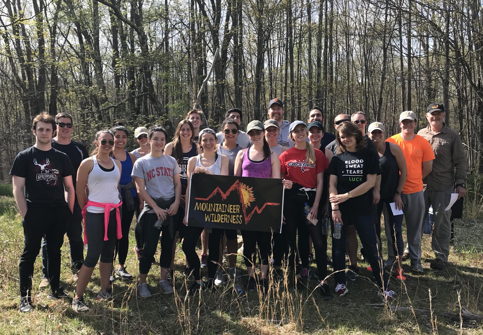 Outdoor Group Programs - Team Building, Reunion Activities, Presentations