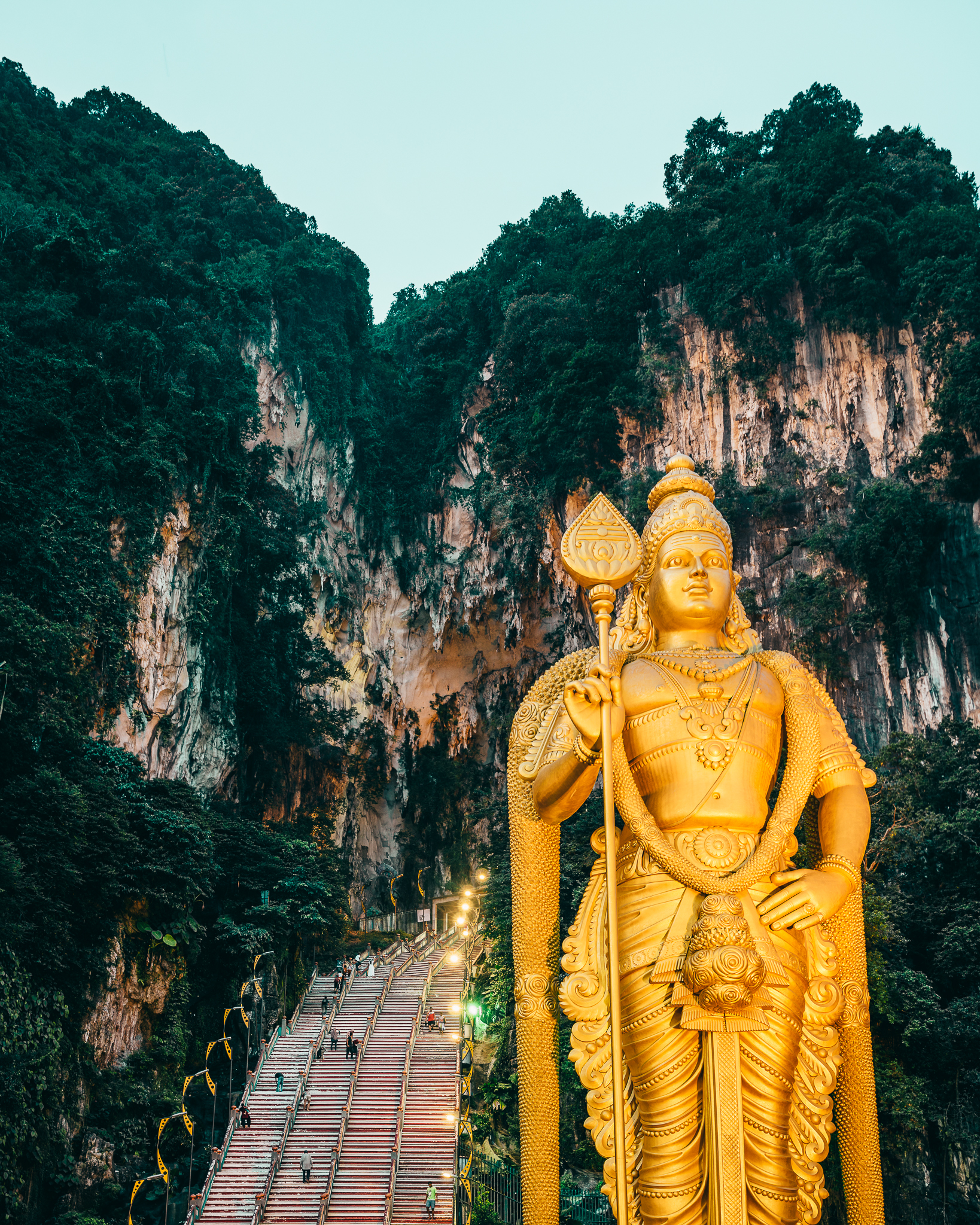 Entrance of Batu Caves -272 steps to go!
