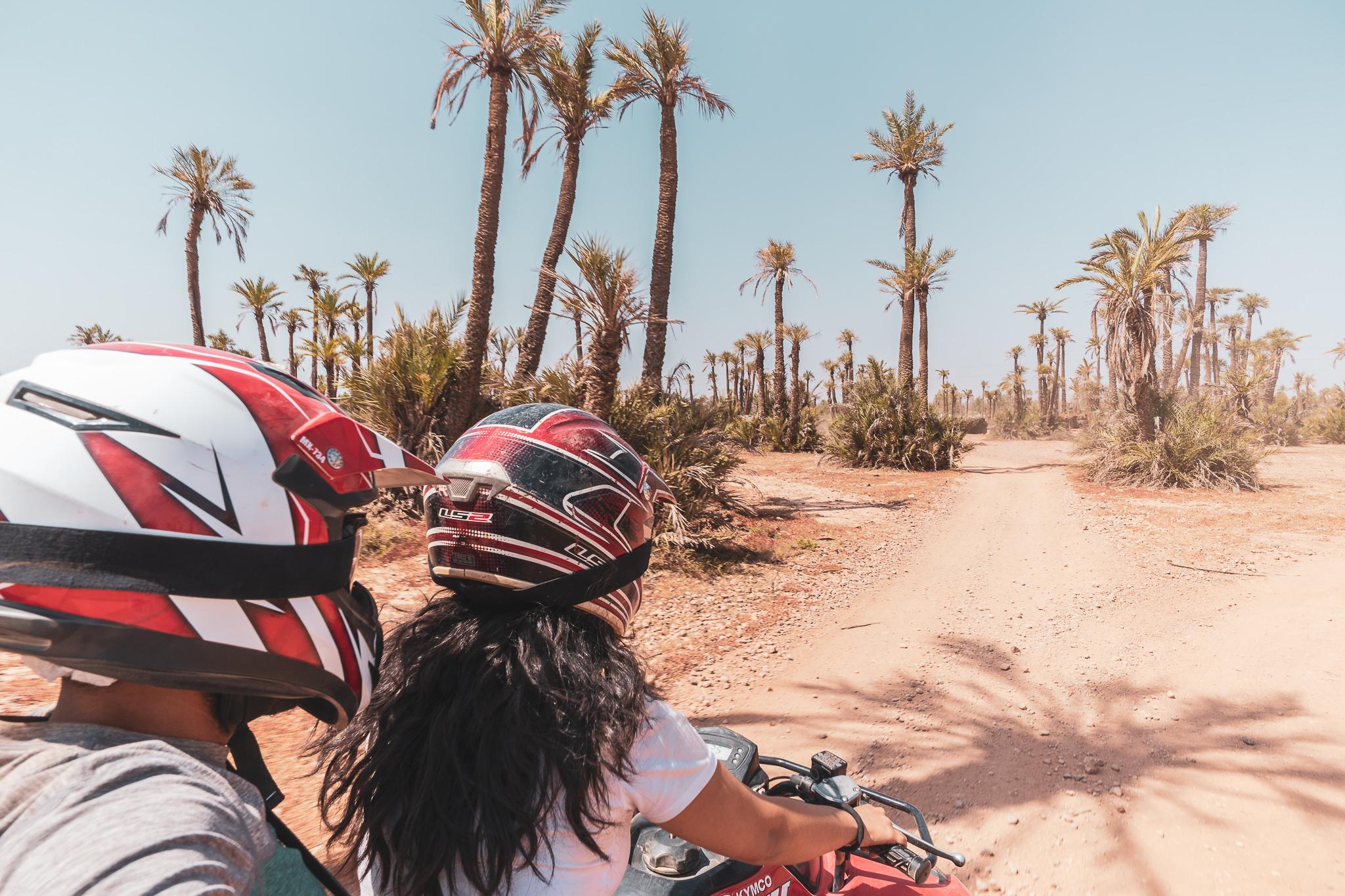 Maroc Quad Passion couple riding through Moroccan desert