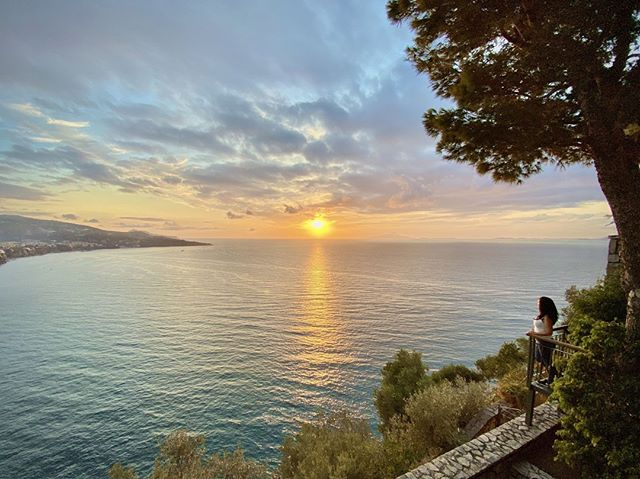 This was the gorgeous view from our hotel at Meta di Sorrento, a location just about 20 minutes away from the center of the town. ⠀ ⠀ This is a mini-hotel located on a cliff that looks over the Sorrento peninsula where we paid a bit under 200 euros for 3 nights (with breakfast included!). Traveling during the off-season and going a bit outside the touristy areas is definitely worth it!⠀ .⠀ .⠀ .⠀ .⠀ .⠀ #italy #sorrento #travelgram #culturetrip #wanderlust #globetrotters #backpacking #traveladdict #travelphotography #worldtraveller #travelawesome #neverstopexploring #sharetravelpics #travelblog #worldnomads #backpackerlife #couplegoals #mytinyatlas #cntraveler #iphone #iphoneography