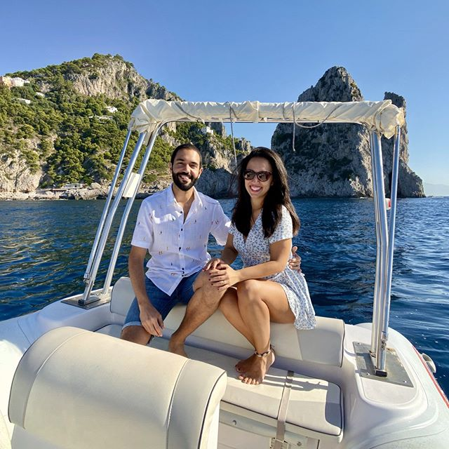 Life out on the sea is better! 🌊☀️⠀ .⠀ .⠀ .⠀ .⠀ .⠀ #italy #capri #travelgram #culturetrip #wanderlust #globetrotters #backpacking #traveladdict #travelphotography #worldtraveller #travelawesome #neverstopexploring #sharetravelpics #travelblog #sonyimages #worldnomads #backpackerlife #couplegoals #mytinyatlas #cntraveler #samyang #samyanglens #a6500