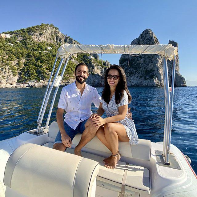 Life out on the sea is better! 🌊☀️⠀ .⠀ .⠀ .⠀ .⠀ .⠀ #italy #capri #travelgram #culturetrip #wanderlust #globetrotters #backpacking #traveladdict #travelphotography #worldtraveller #travelawesome #neverstopexploring #sharetravelpics #travelblog #sonyimages #worldnomads #backpackerlife #couplegoals #mytinyatlas #cntraveler #samyang #samyanglens #a6500