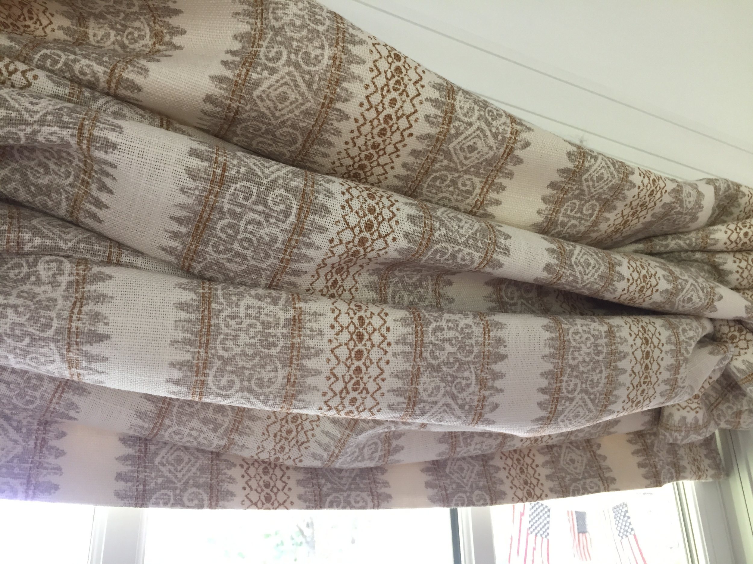 I made the relaxed Roman shades for the for the bedroom windows. The windows in the entire house are quite tall and bring the beautiful scenery outside into the house. So I wanted to expose as much of them as possible, while still having privacy at night.