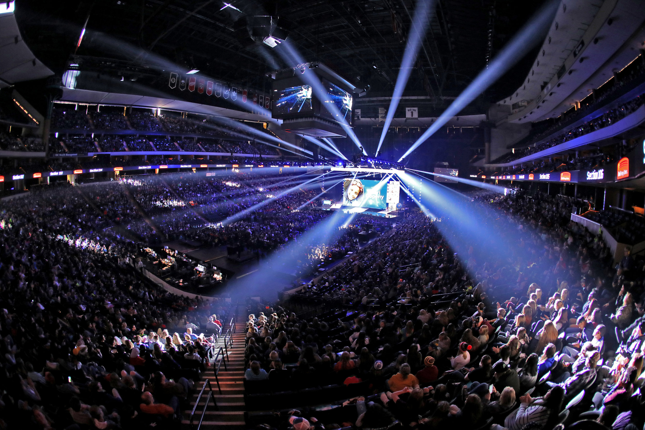 18,000 youth and educators attend we day minnesota.JPG
