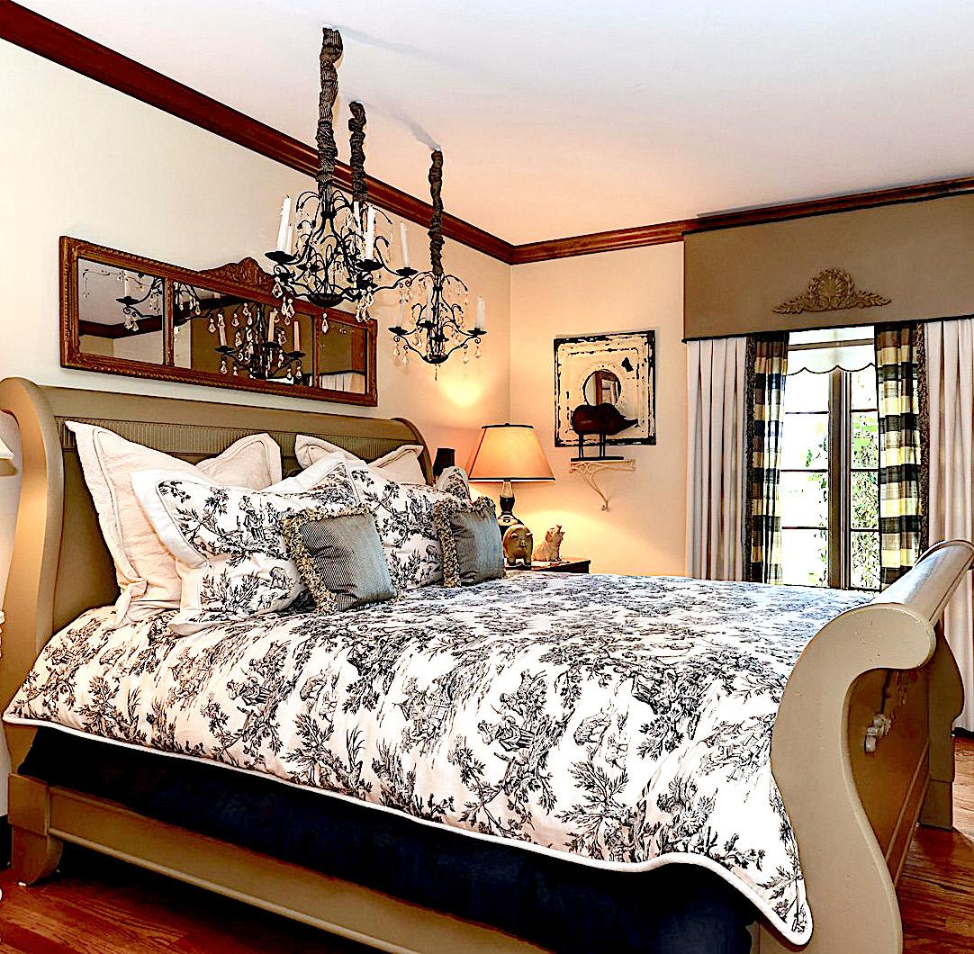 47 regent guest room .jpg