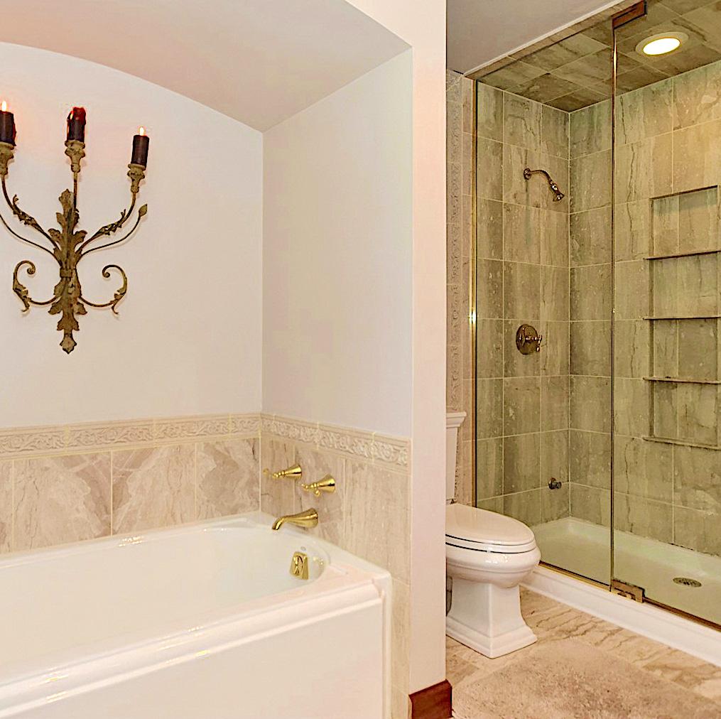 47 regent guest bath .jpg