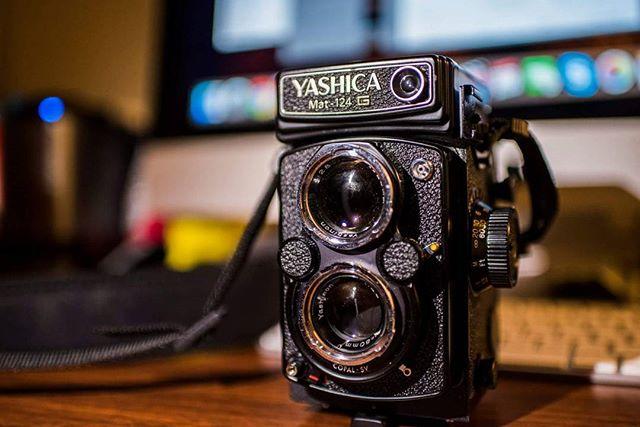 My #yashicamat124g :) #yashica #tlr #twinlensreflex #mediumformat #120film #kodakektar100 #fomapan100 #ilovefilm