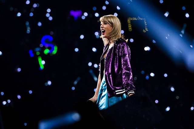 Editing some never before seen photos I've gone through. Here's one of the one and only #taylorswift  #swifties #tswift #1989tour #1989 #shakeitoff #kansascity #pop #concertphotography #musicphotography