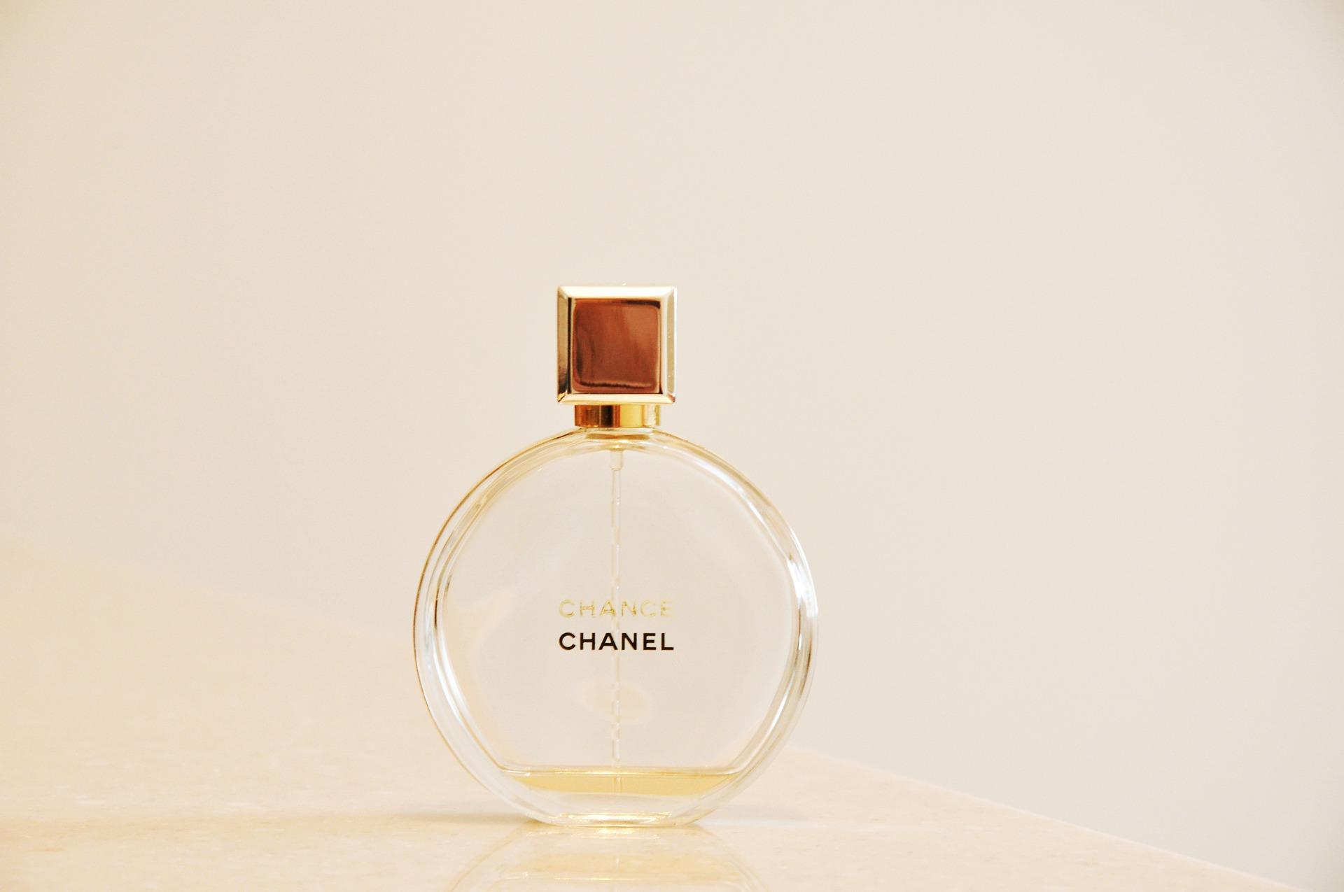 chanel-3137307_1920.jpg