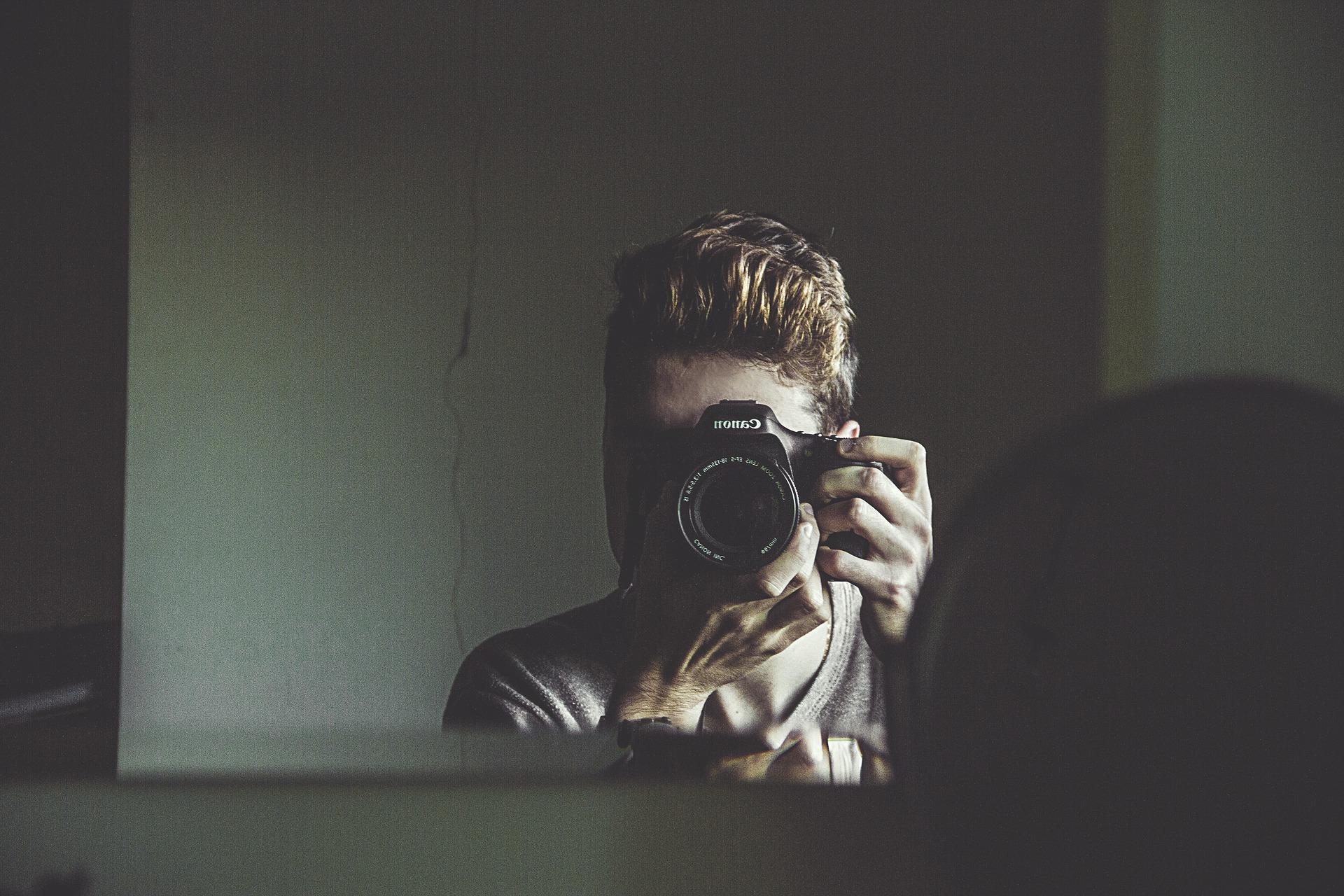 camera-1845879_1920.jpg