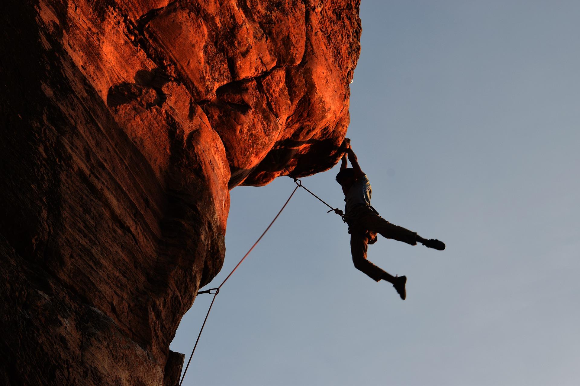 climbing-2264698_1920.jpg