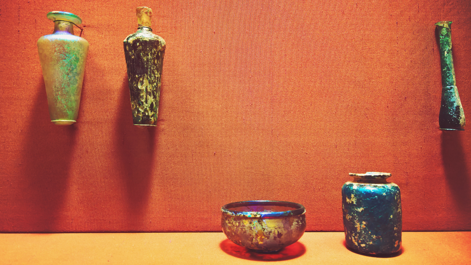 Ancient Blown Glass Vases at The Metropolitan Museum of Art, NYC | OMventure.com