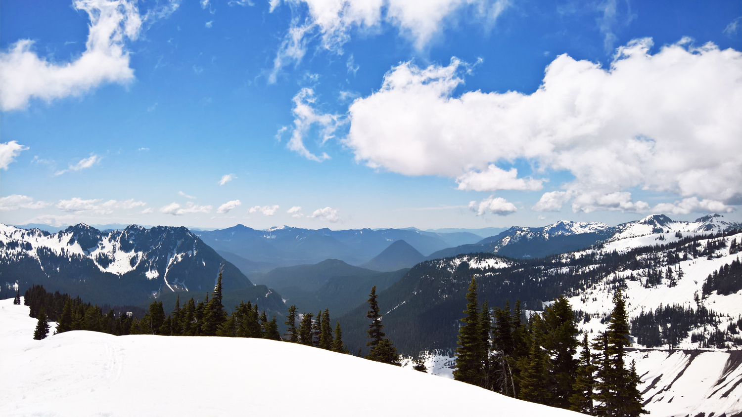 Mount Rainier in May: A Stunning Sight to See, Snowshoe, and Ski | OMventure.com