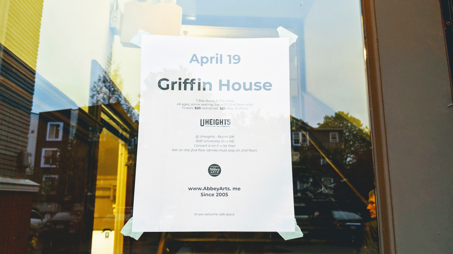 Griffin House LIVE in Seattle | OMventure.com