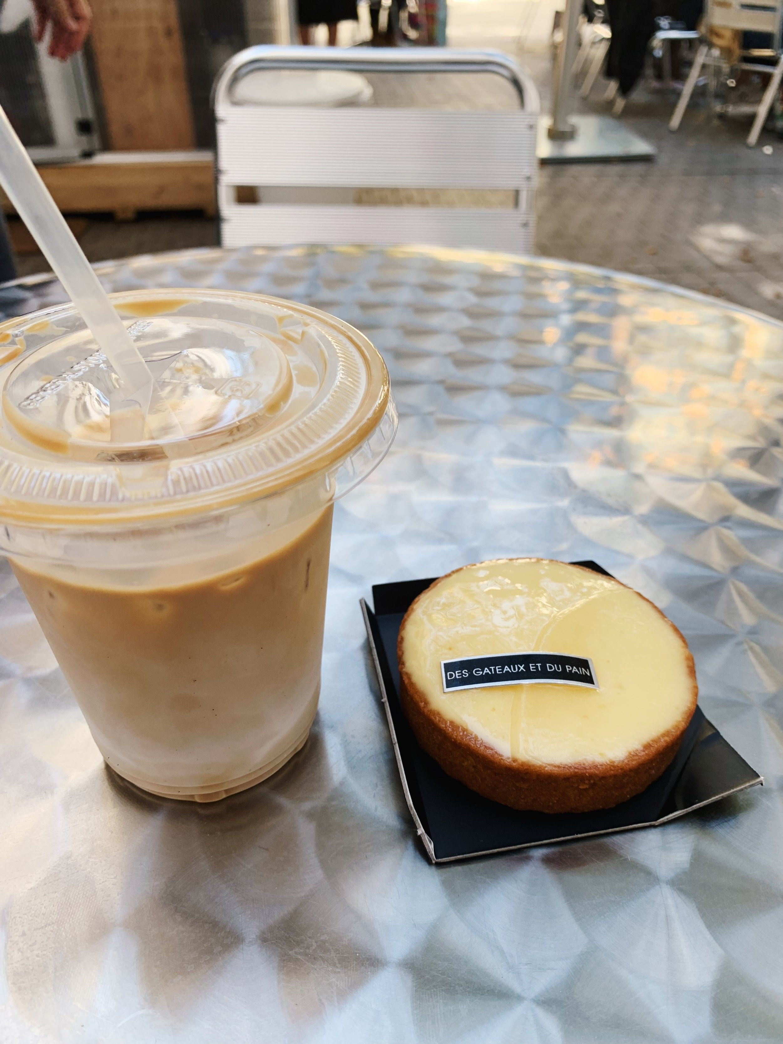 Coffee from Arabica and tart au citron from Des Gateaux et du Pain.