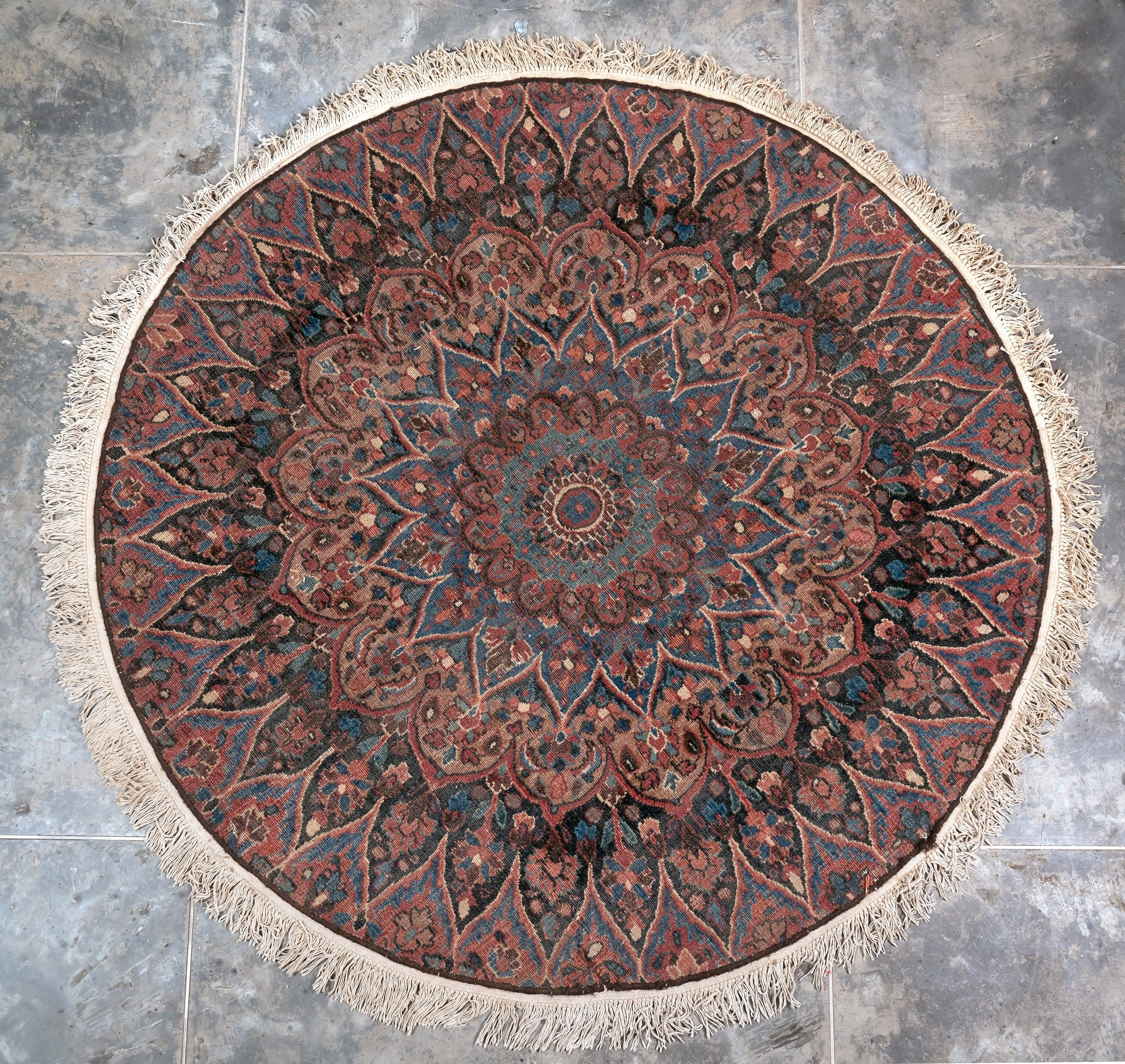 Round Persian Meshed 56inches dia 60k.jpg