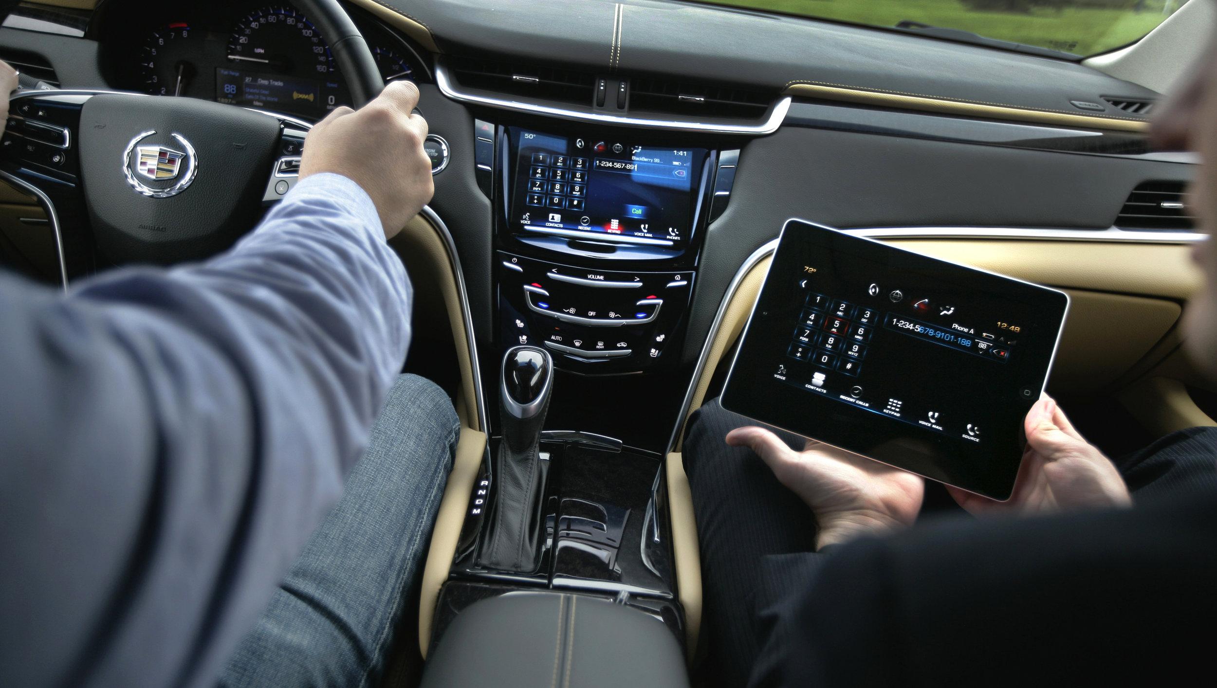 CadillacXTSiPad01-3000p (1).jpg