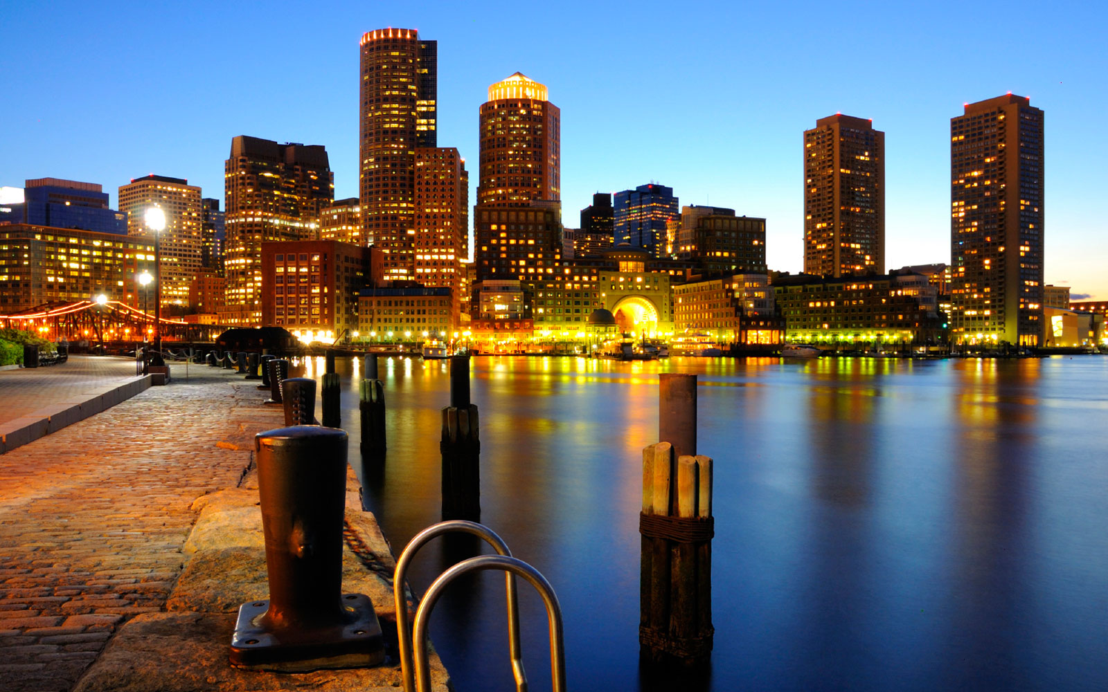 the-boston-harborwalk-at-massachusetts.jpg