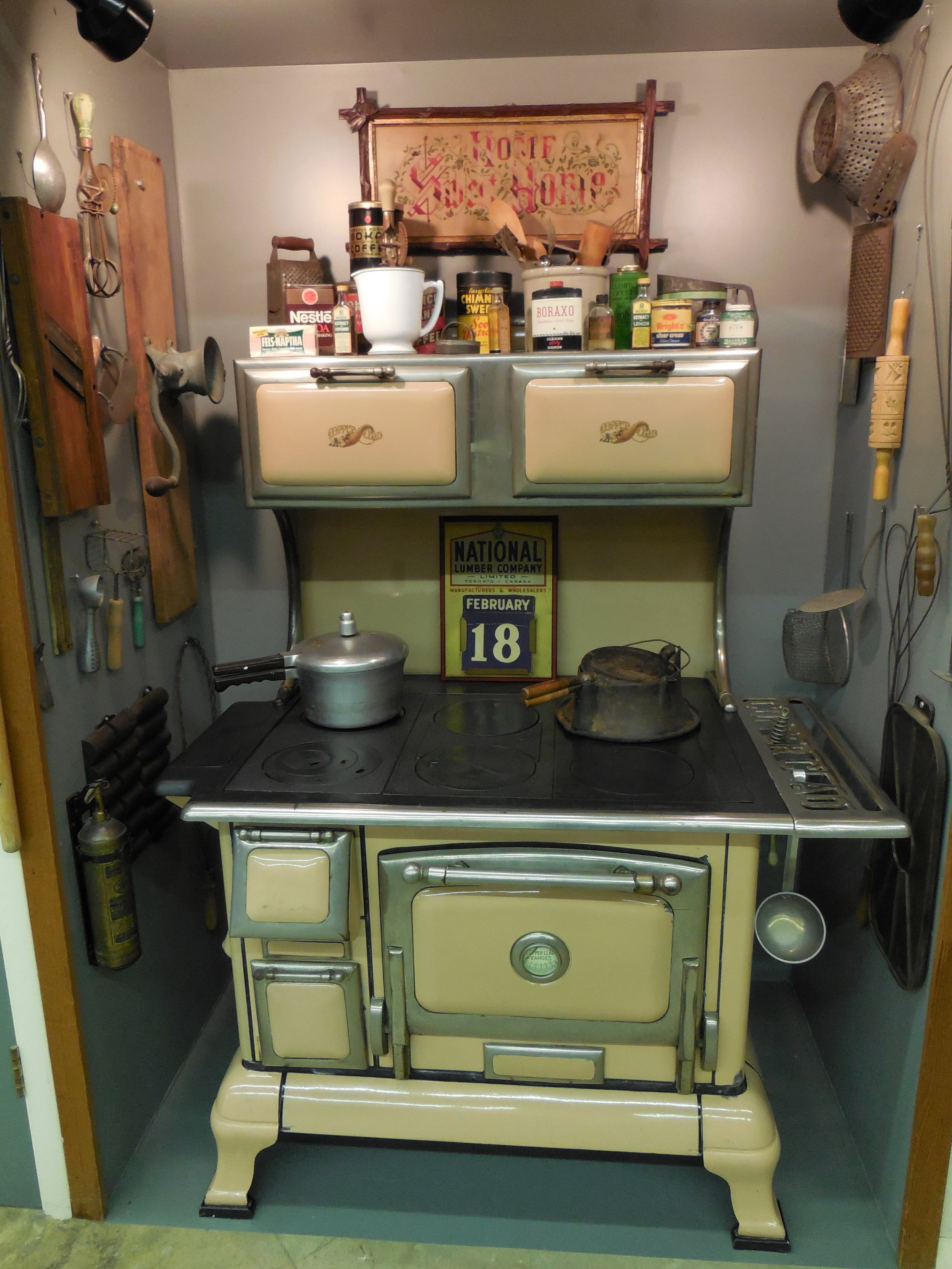 Cook Stove and Kitchenware